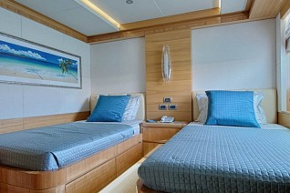 Majesty 135 - Guest Cabin